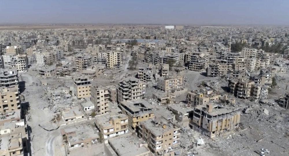 Zničené domy v Rakce