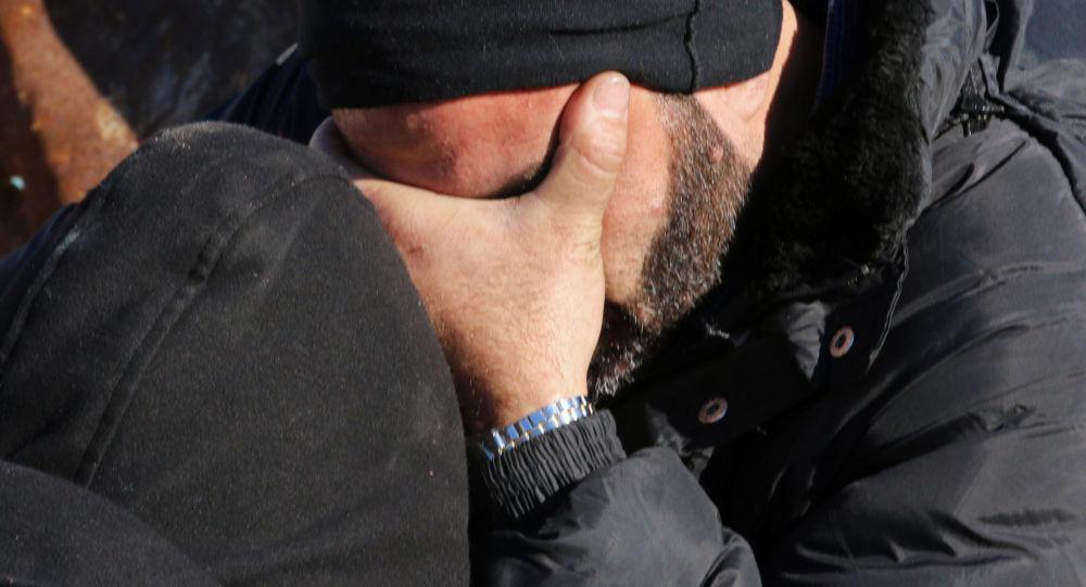 Muž pláče. Ilustrační foto