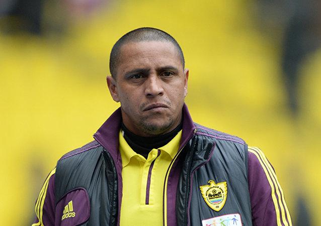 Ředitel FK Anži Roberto Karlos
