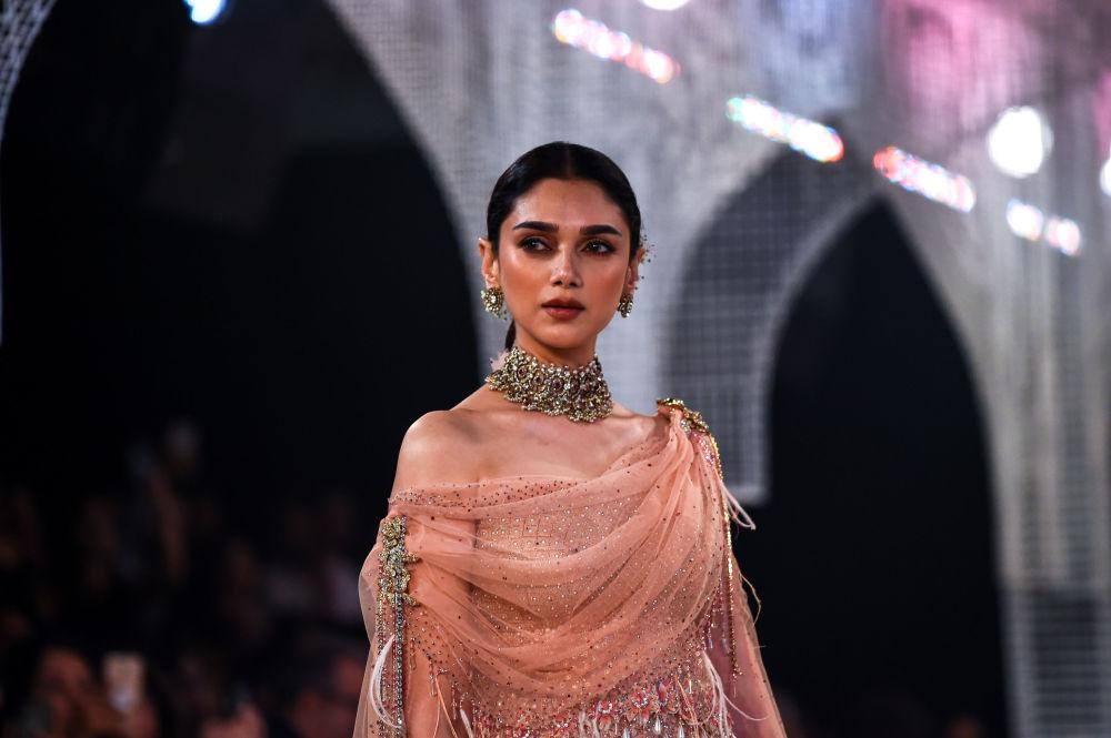 Východní pohádka. Týden vysoké módy v Dillí