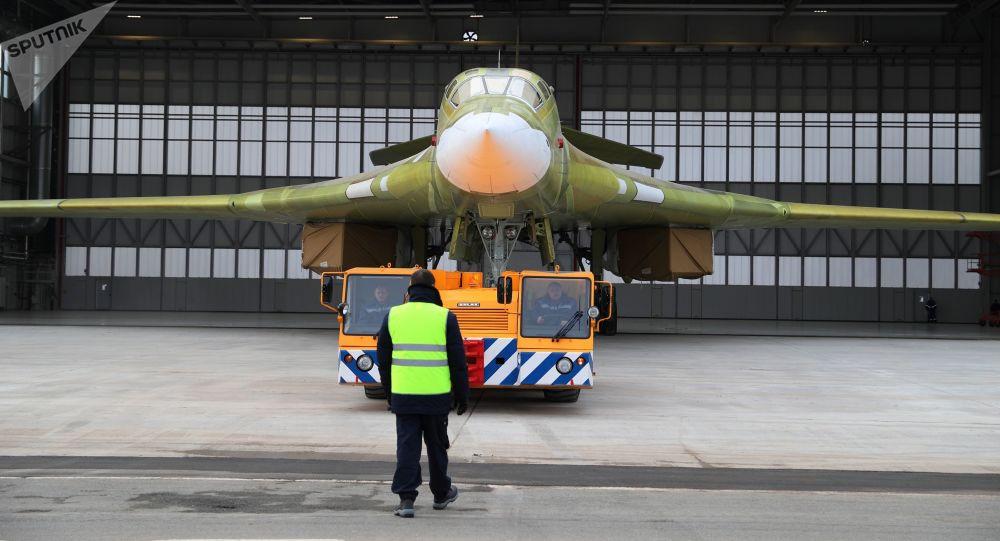 Zkušební model bombardéru Tu-160M2 v Kazani
