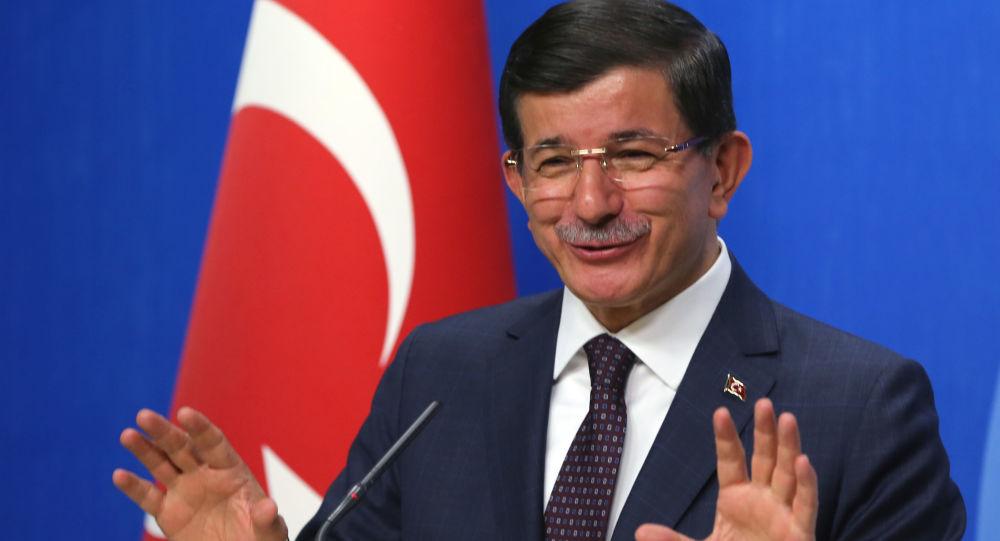 Turecký premiér Ahmet Davutoğlu