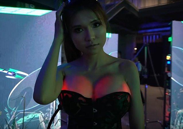 Čínská blogerka inženýrka dokázala rozsvítit vlastní prsa