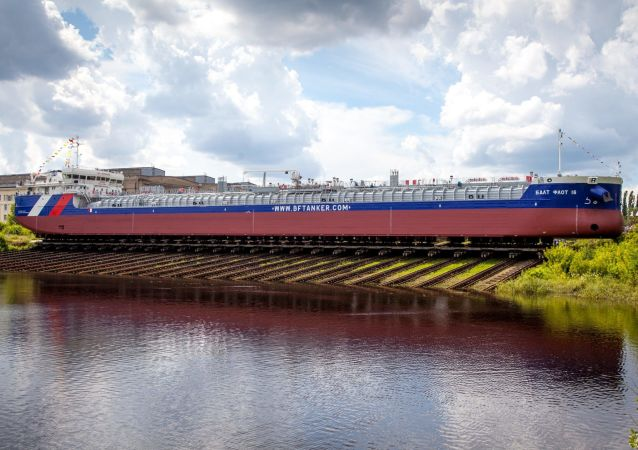 Tanker Balt Flot 16