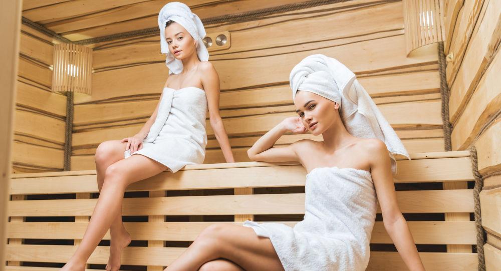 Dívky v sauně