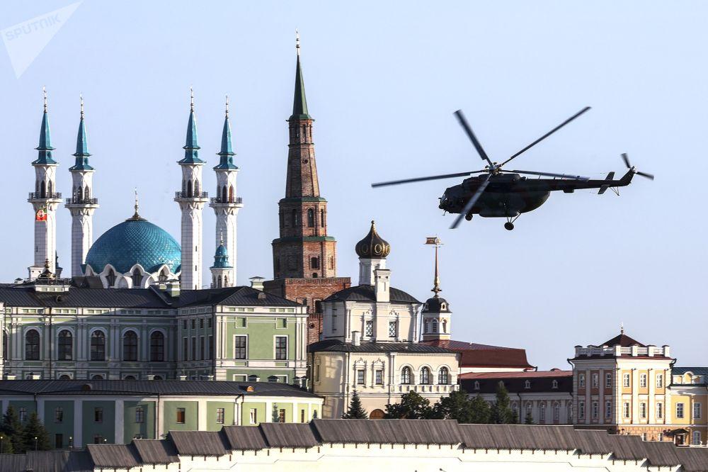 """""""Vybírám si nebe"""": Živé záběry z velkolepé ruské letecké show v Kazani"""