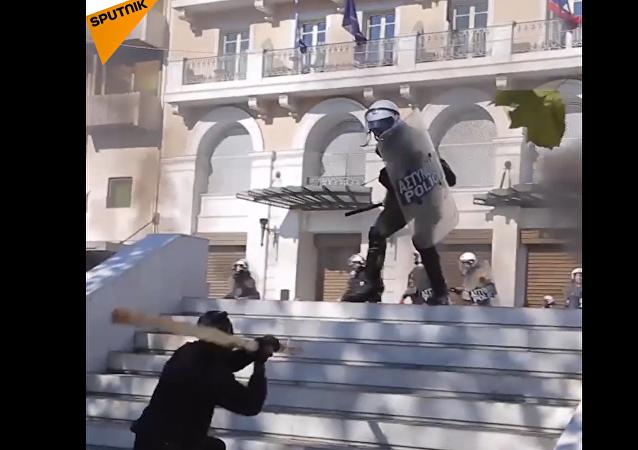 Jak to bylo. Záběry protestů během dluhové ekonomické krize v Řecku