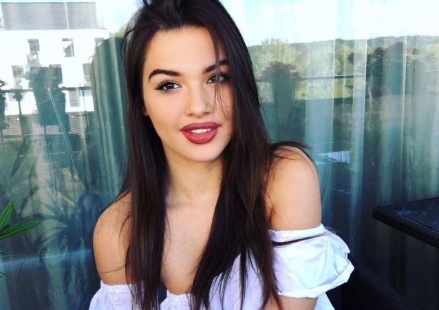 Slovenská modelka plus-size Kristy Kúdelová