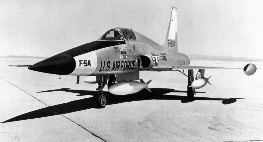 Stíhací letoun F-5A (archivní fotografie)