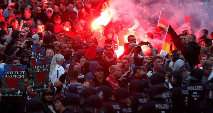 Protesty v Chemnitz po vraždě Němce