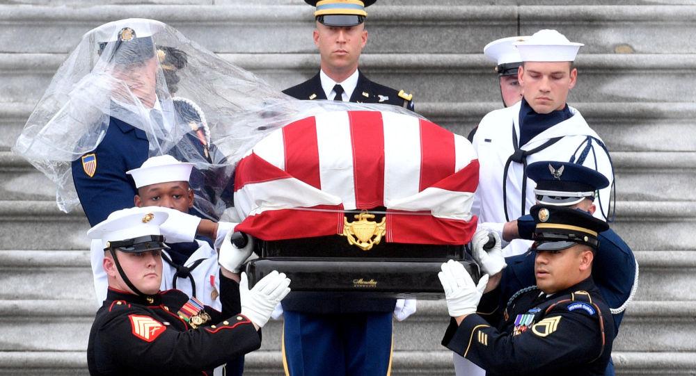 Pohřeb amerického senátora Johna McCaina