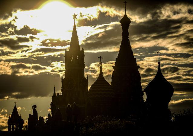 Pohled na Kreml a Chrám Vasila Blaženého