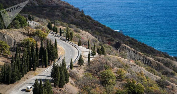 Cesta v horách Krymu