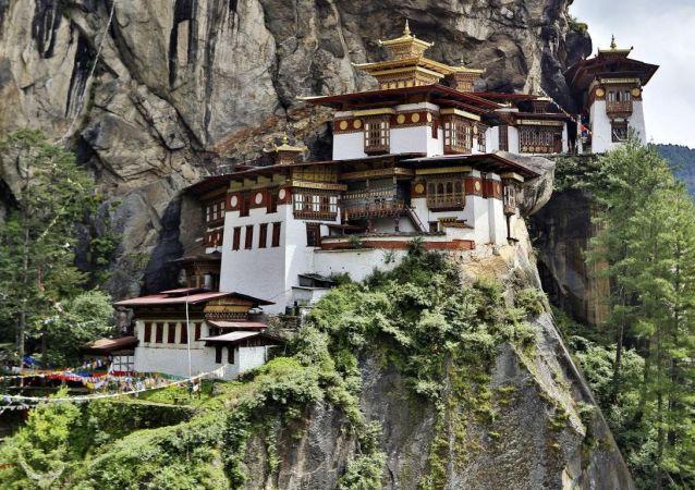Buddhistický klášter Takstang, známý též jako Tygří hnízdo