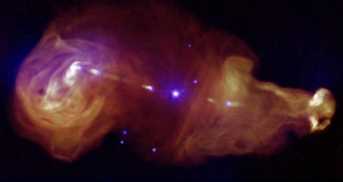 Galaxie 3C353