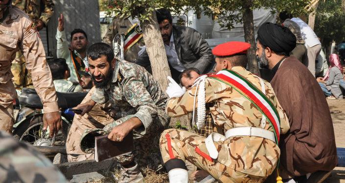 Vojáci na místě teroristického útoku v íránském městě Ahváz. 22. září. 2018.
