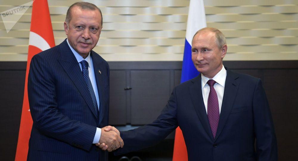 Ruský prezident Vladimir Putin a turecký prezident Recep Tayyip Erdoğan