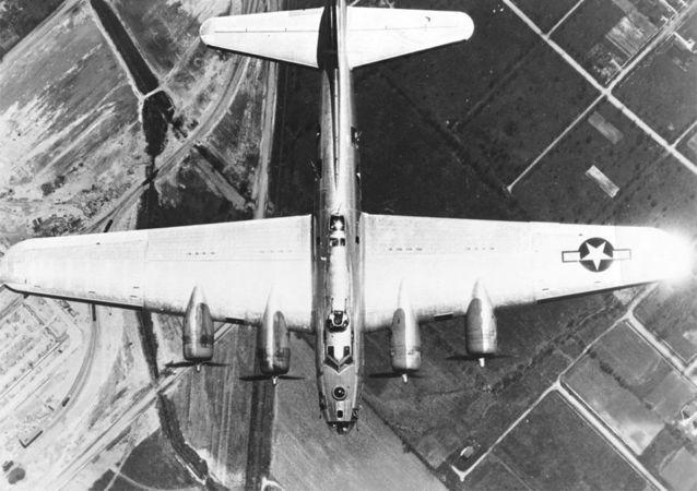 Americký bombardér B-17G během 2. světové války