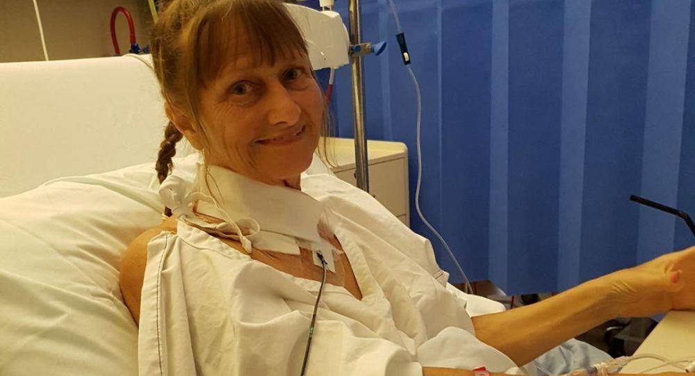 Belinda Binghamová v nemocnici