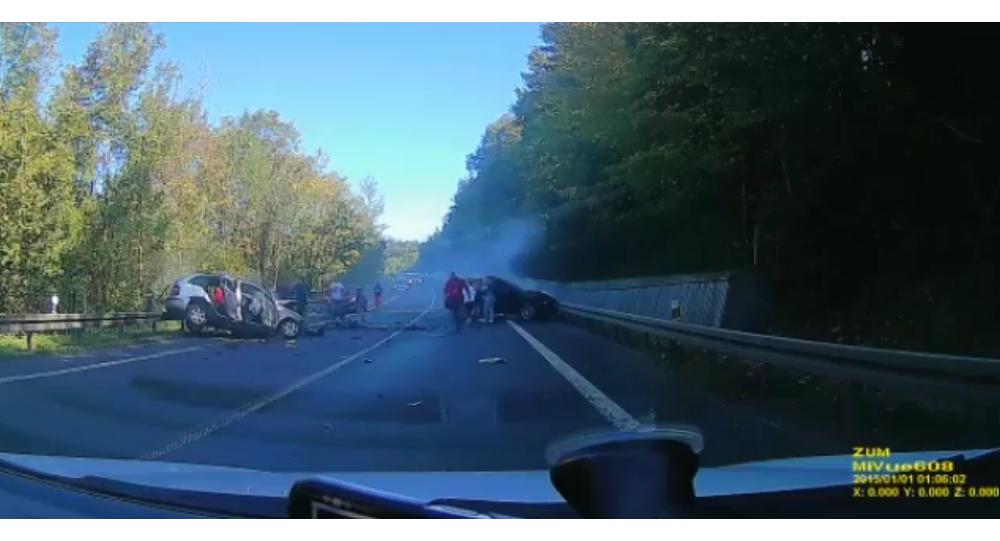 Nehoda na Slovensku za účasti polských řidičů s luxusními vozy