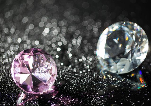 Diamanty. Ilustrační foto