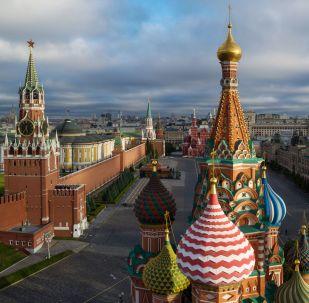 Kupole chrámu Vasila Blaženého na Rudém náměstí v Moskvě. Ilustrační foto