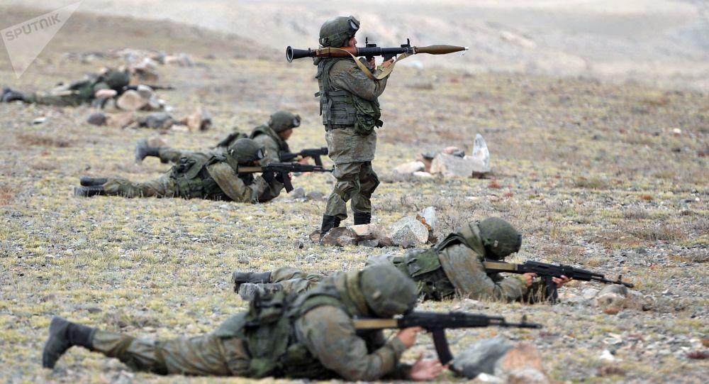Vojáci během cvičení
