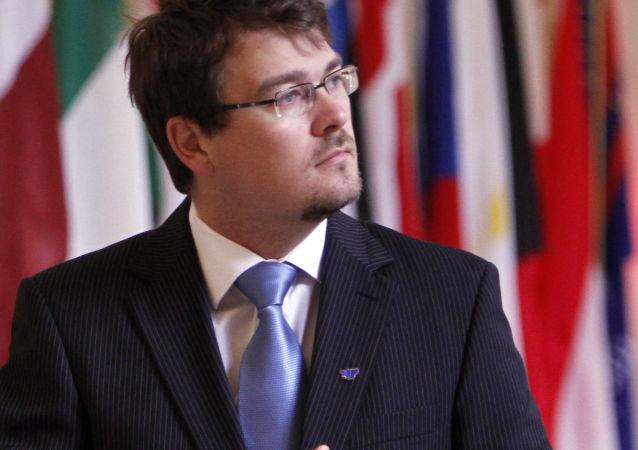 Státní tajemník ministerstva obrany nominovaný stranou Most-Híd Róbert Ondrejcsák