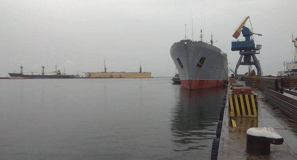 Ukrajinská vojenská loď v Mariupolu