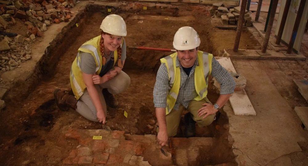 Lupiči pomohli archeologům objevit unikátní nález