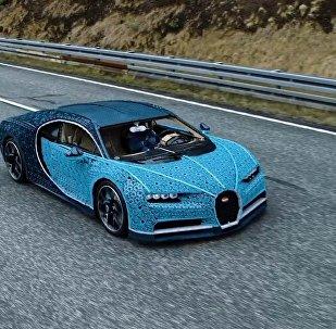 Sportovní auto Bugatti Chiron z detailů Lega