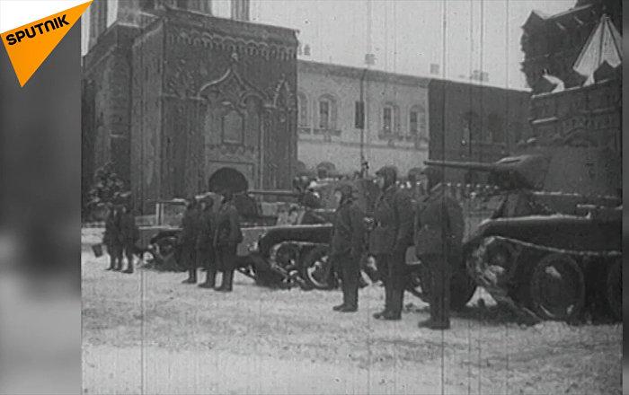 Podívejte se na archivní záběry. Legendární přehlídka v Moskvě 7. listopadu 1941