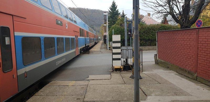 Vlaková zastávka Černošice