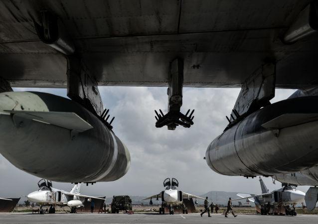 Ruské bombardéry Su-24 na základně Hmímim