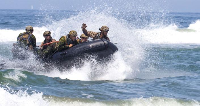 Američtí vojáci během cvičení