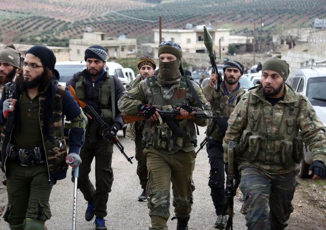 Tureckem podporovaní syrští povstalci na severu Afrínu