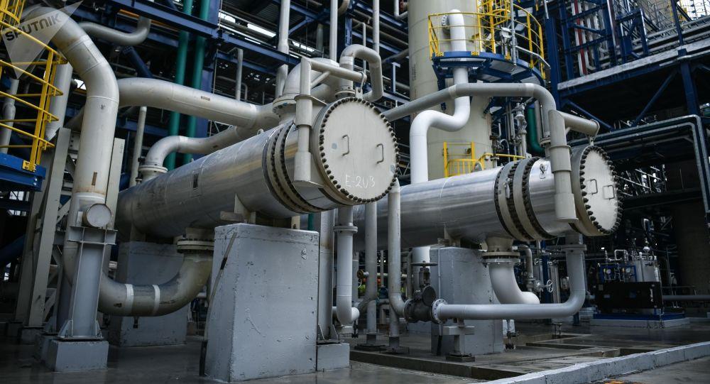 Moskevský ropný závod. Ilustrační foto