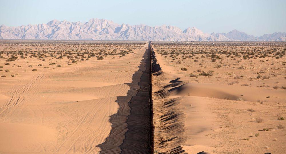 Hranice Mexika a USA