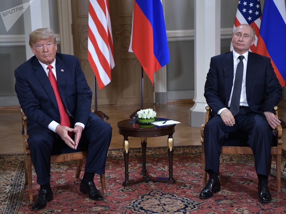 Americký prezident Donald Trump a ruský prezident Vladimir Putin během setkání v prezidentském paláci v Helsinkách