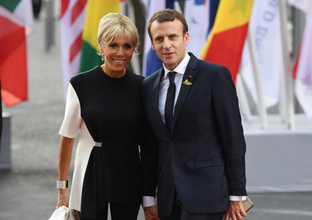 Francouzský prezident Emmanuel Macron a jeho manželka na summitu G20 v Hamburku