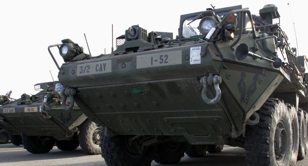 Americké obrněné transportéry Stryker v Rize