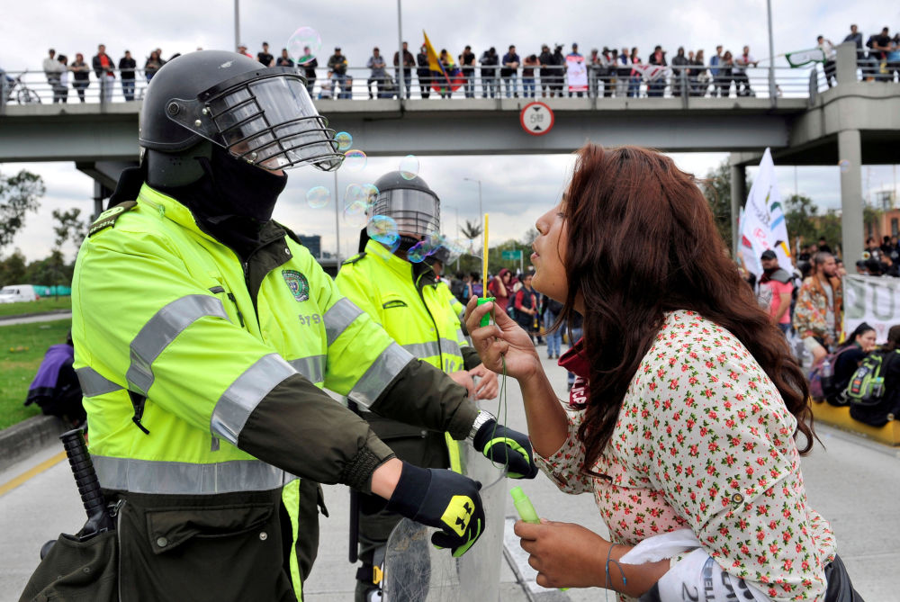 Tento týden v obrázcích: Kruté protesty a rozmanité společenské akce