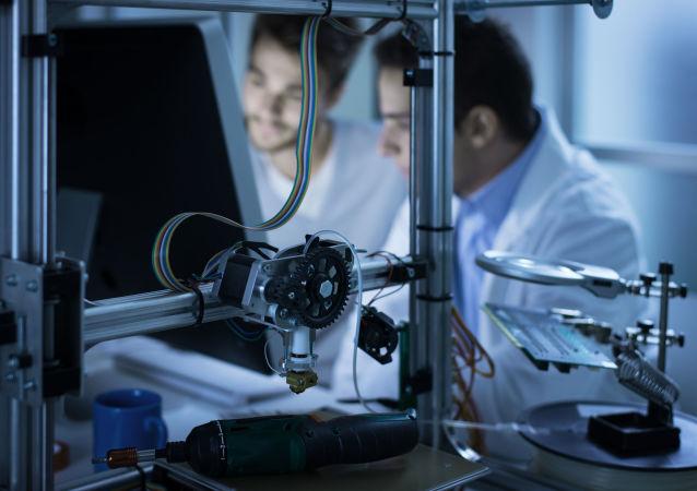 Vědci pracují na 3D tiskárně. Ilustrační foto