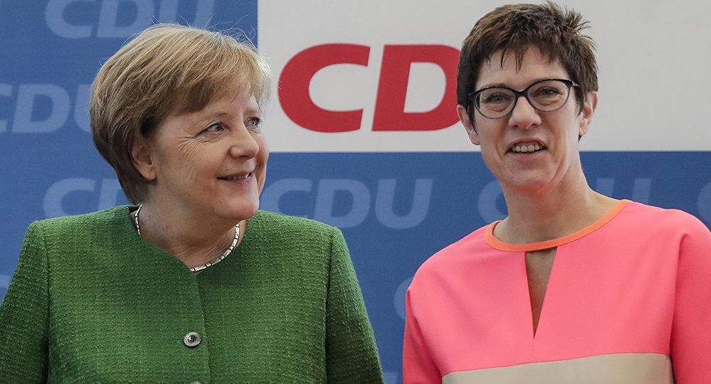 Angela Merkelová a Annegret Kramp-Karrenbauerová