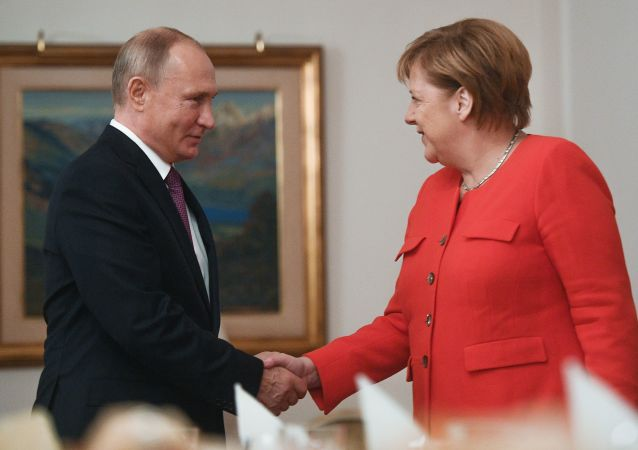 Ruský prezident Vladimir Putin a německá kancléřka Angela Merkelová na summitu G20 v Buenos Aires