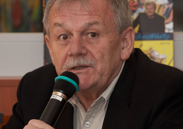 Karel Šíp na besedě v knihkupectví Dobrovský v Brně