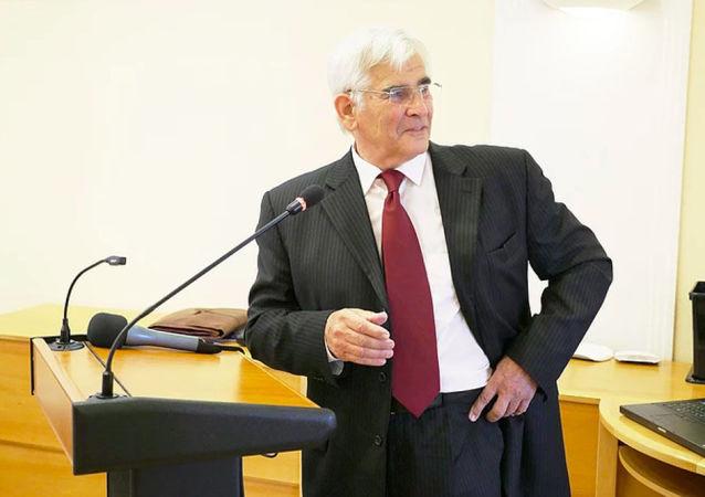 Profesor Štefan Kassay