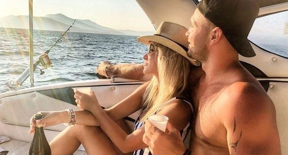 Hokejista Lukáš Kozák a jeho přítelkyně Nela Slováková