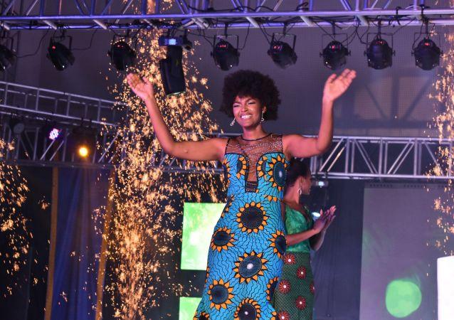 Vítězka soutěže krásy Miss Afrika 2018 Dorcas Kasindeová