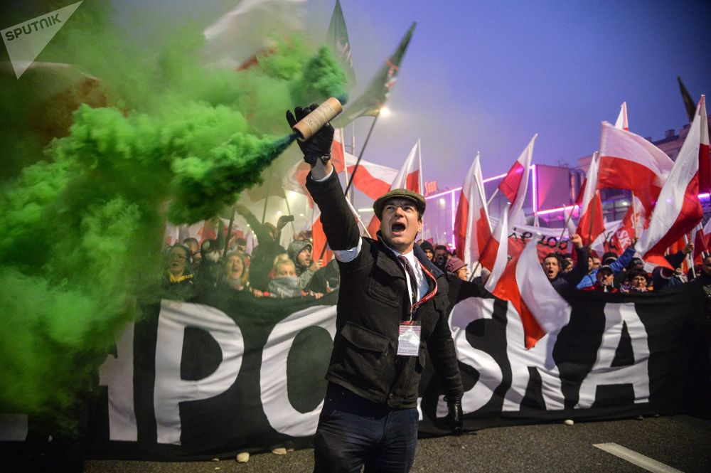 Pochod ve Varšavě na počest 100. výročí nezávislosti Polska